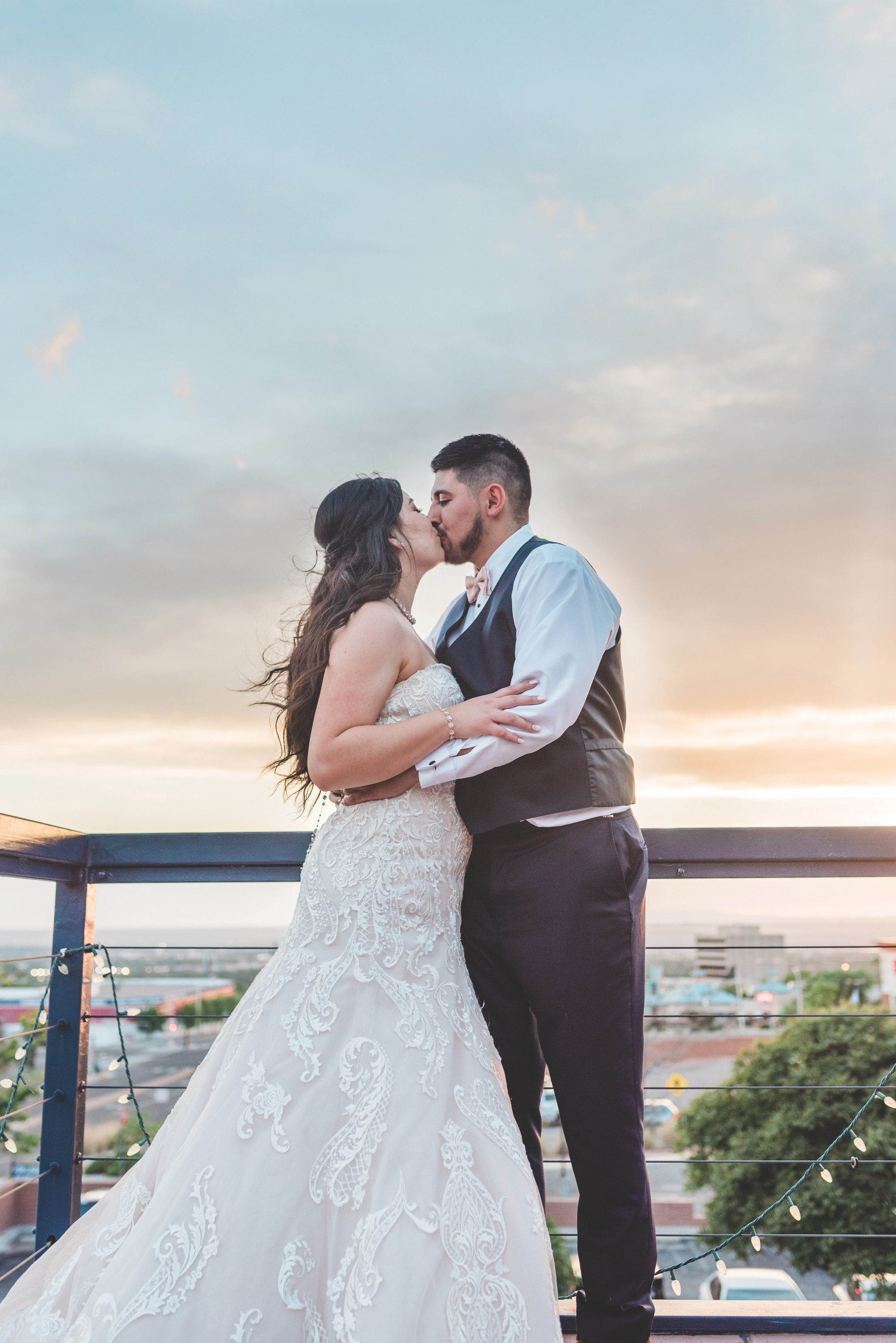 bride and groom kissing, the view event center, new mexico wedding, new mexico sunset, new mexico bride, new mexico wedding gown